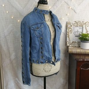 FLASH SALE CarMar denim grommet jean jacket